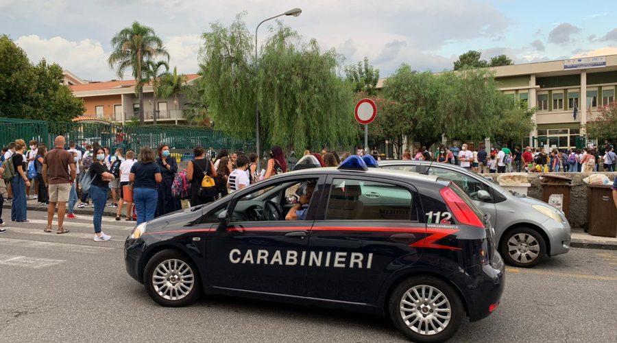 Giarre, inizio dell'anno scolastico sotto l'occhio vigile dei Carabinieri VIDEO