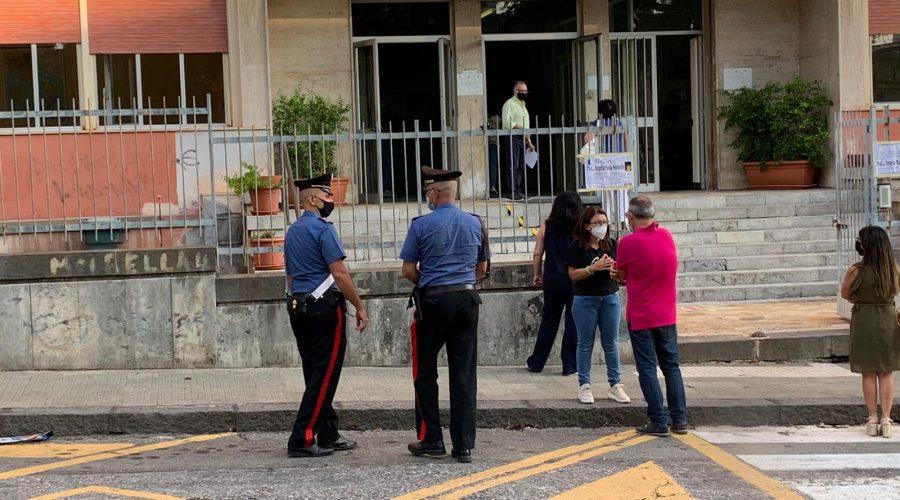 Giarre, riprendono le lezioni: carabinieri presidiano anche gli istituti superiori