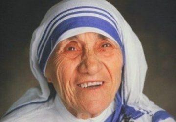 """Giornata Missionaria Mondiale, la lirica """"Vieni, sii la mia luce"""" dedicata a S. Teresa di Calcutta"""
