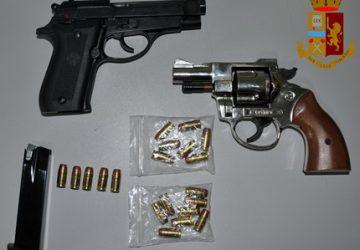 Adrano, deteneva in casa armi modificate: arrestato