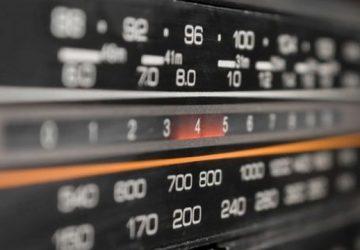 Addio alla radio FM