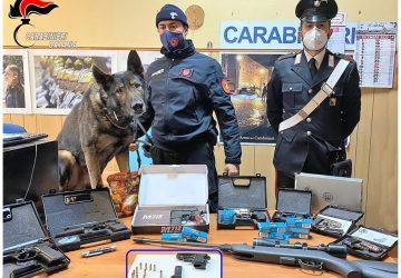 Insospettabile modificava le armi in casa: arrestato 64enne