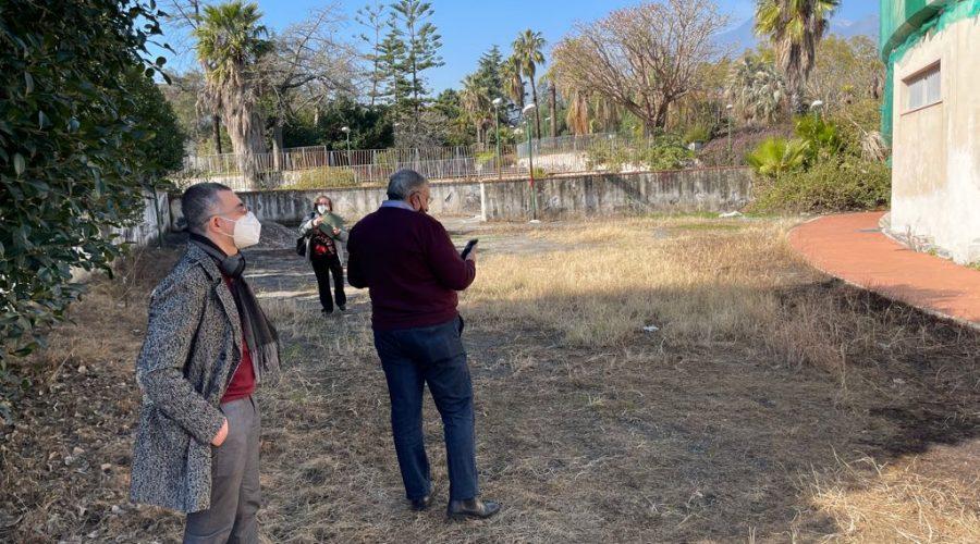 Giarre, ludoteca incendiata: cancelli aperti al parco Jungo. Sopralluogo della IV Commissione