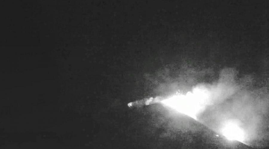 Etna, continua l'attività eruttiva dai crateri