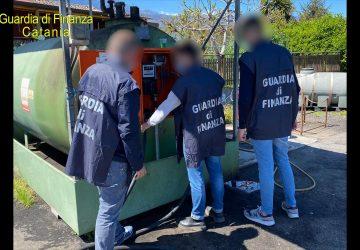 Frodi nel settore petrolifero: sequestrati due depositi clandestini a Catania e Giarre. 18 denunciati