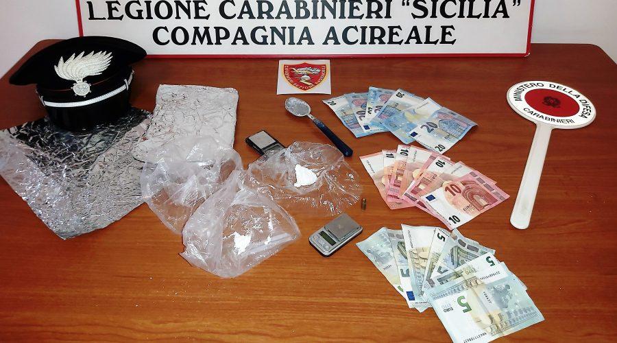 Viagrande, arrestato uno spacciatore incensurato: aveva la coca nel giubbotto