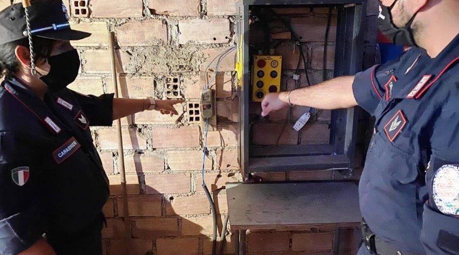 Palagonia, aveva azzerato la bolletta della luce: arrestata per furto una coppia di coniugi