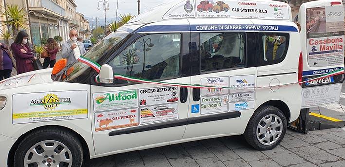 Giarre, un pulmino attrezzato in comodato d'uso gratuito al Comune per il trasporto di disabili