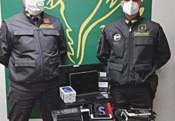 Catania, squestrato ingente materiale informatico all'aeroporto Fontanarossa