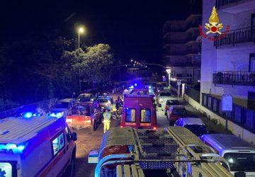 Catania, esplode un ordigno all'ingresso di un negozio. Evacuato un edificio