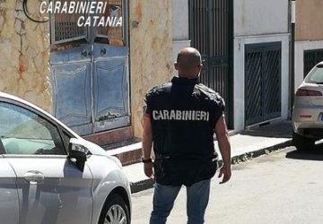 Catania, spacciava dai domiciliari: arrestato e trasferito in carcere