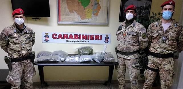 Santa Venerina, duro colpo allo spaccio: scoperto deposito della droga. Sequestrati 5 chili di erba