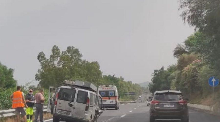 A18, incidente stradale autonomo tra Fiumefreddo e Giarre: un ferito