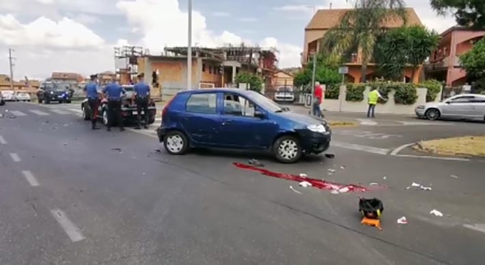 Scontro auto-scooter nel Catanese: muore 20enne