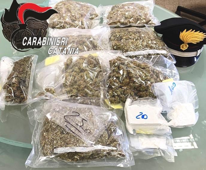 Arrestato infaticabile spacciatore di 26 anni e trovata la droga nascosta
