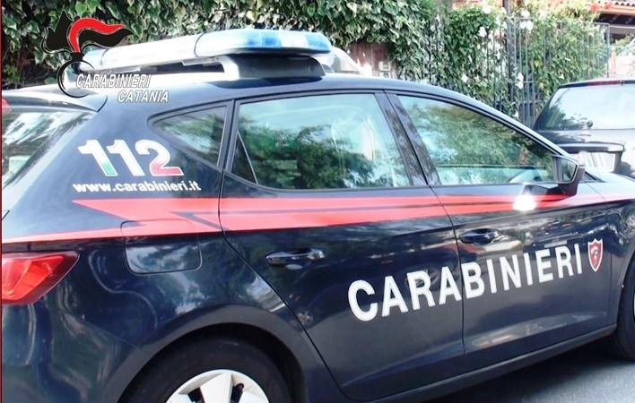 San Gregorio di Catania, notte di terrore per una donna: l'ex le distrugge casa e la picchia