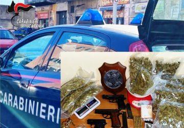 Nel suo rifugio armi e droga ma viene scovato dai Carabinieri: arrestato