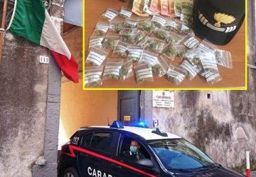 """Ai domiciliari si affidava al """"panaru"""" per la consegna della droga: arrestato"""