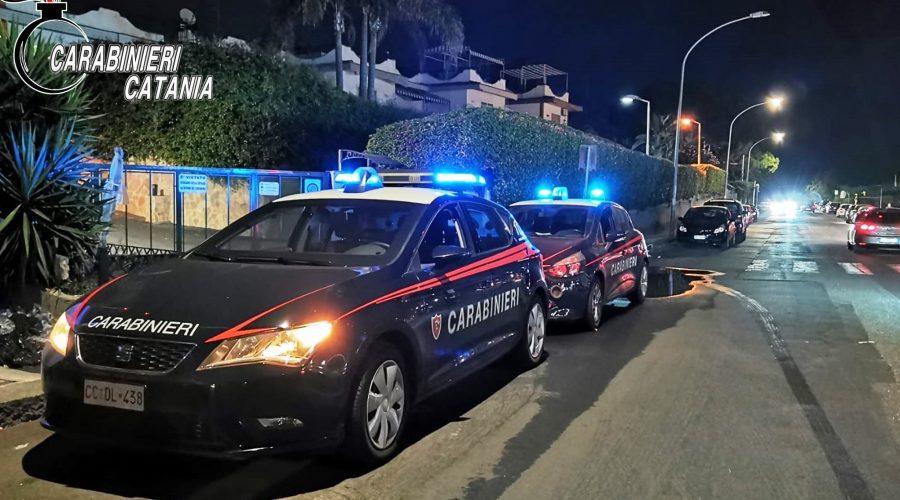 Acireale ed Aci Castello, controlli dei Carabinieri: un arresto ed un lido chiuso temporaneamente