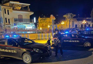 Controlli dei Carabinieri a Giardini e Taormina: 2 persone denunciate ed 1 esercizio commerciale sospeso temporaneamente