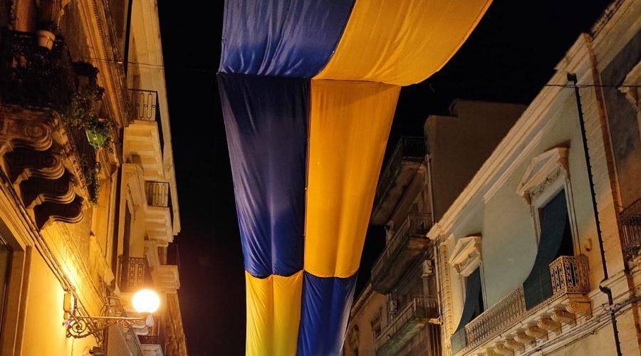Giarre festeggia il Giarre calcio e si tinge di gialloblù