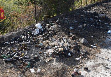 Adrano, deferito 67enne per incendio rifiuti
