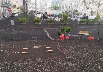 Giarre e Riposto, di nuovo sepolte dalla cenere dell'Etna. Rallentamenti sulla A18