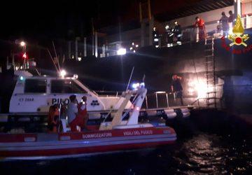 Catania, incendio su nave cargo battente bandiera Liberiana