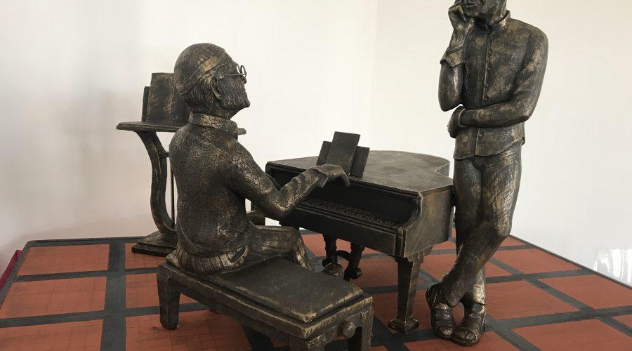 Milo, presentata la miniatura della statua di Lucio Dalla e Franco Battiato. A realizzare l'opera sarà lo scultore Placido Calì