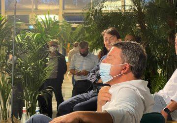 """Giarre, Matteo Renzi accolto da una folta platea: """"I siciliani innamorati della Lega di Salvini, non li capisco"""""""