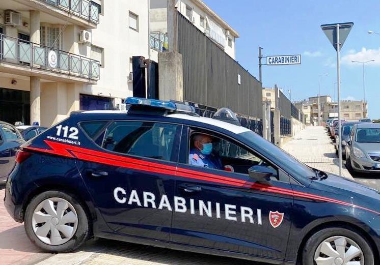 """Caltagirone, botte alla moglie per un """"like"""" su Facebook: arrestato"""