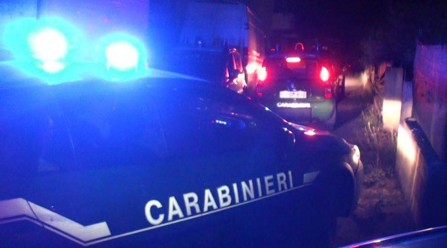 Calatabiano, esonda il torrente S.Antonio: i carabinieri salvano tre persone sommerse dall'acqua