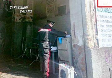 Catania, autolavaggio a zero costi di esercizio: acqua e luce gratis