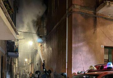 Adrano, incendio in un'abitazione: muore un 51enne