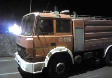 Giarre, incendio auto in via San Paolo a Macchia