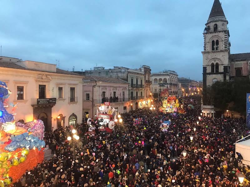 """Carnevale di Acireale: in Consiglio comunale il """"processo"""" al presidente della Fondazione, Belcuore"""