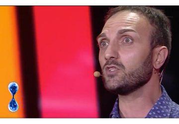 """Spettacolo, l'attore fiumefreddese Giuseppe Brancato emoziona tutti a """"Tu Si Que Vales"""""""