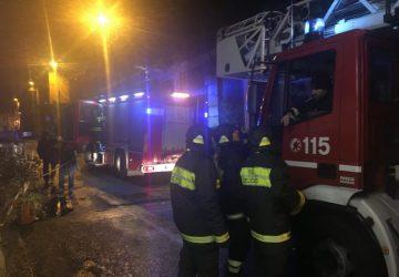 Mascali, a fuoco due serre in via Petralonga. Indagini sulle cause
