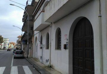 Mascali, furibonda lite tra due donne domenicane: aggrediti con un coltello i carabinieri. Un arresto