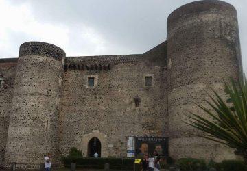 """Al Castello Ursino  """"I Pupi del Maestro- settimana di Cultura e Teatro"""""""