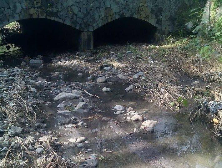Giarre scolmatore intasato reflui fognari nel torrente for Cabine del torrente grave
