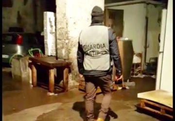 Riposto, Carabinieri e Guardia Costiera sequestrano ben 2 quintali di bianchetto