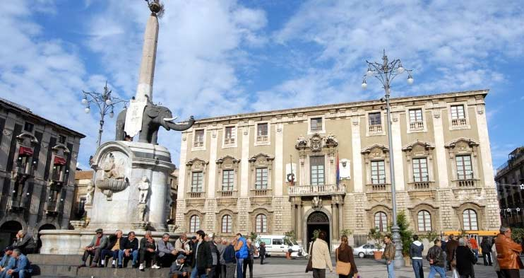 Catania, presentazione mostra e spettacolo biennale d'arte Bias
