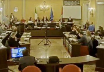 Consiglio Comunale di Acireale: sulla Ztl tensioni nella maggioranza