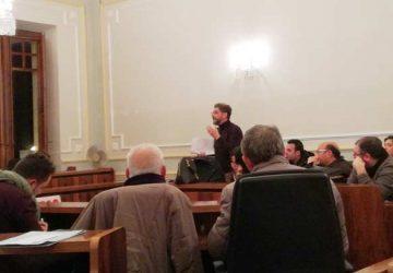 Riposto: il Consiglio discute sulla Carta di Avviso Pubblico. Ma quante allusioni…
