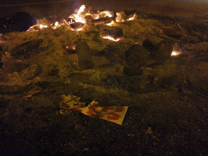 Comitato cittadino ospedale: bruciati i manifesti nel ceppo natalizio