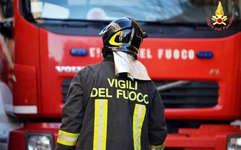 Paura tra Paternò e Ragalna, in azione Vigili del fuoco con mezzi aerei